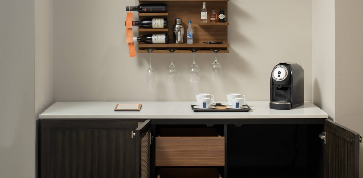 Bar and coffee area in a guest room